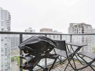 """Photo 13: 2202 930 CAMBIE Street in Vancouver: Yaletown Condo for sale in """"PACIFIC PLACE LANDMARK 2"""" (Vancouver West)  : MLS®# R2161898"""