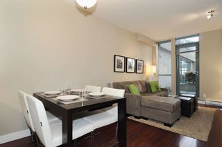 Photo 5: 205 1238 BURRARD STREET in Vancouver West: Home for sale : MLS®# R2007783