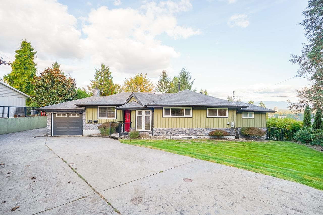 Main Photo: 3043 DAYBREAK Avenue in Coquitlam: Ranch Park House for sale : MLS®# R2624804