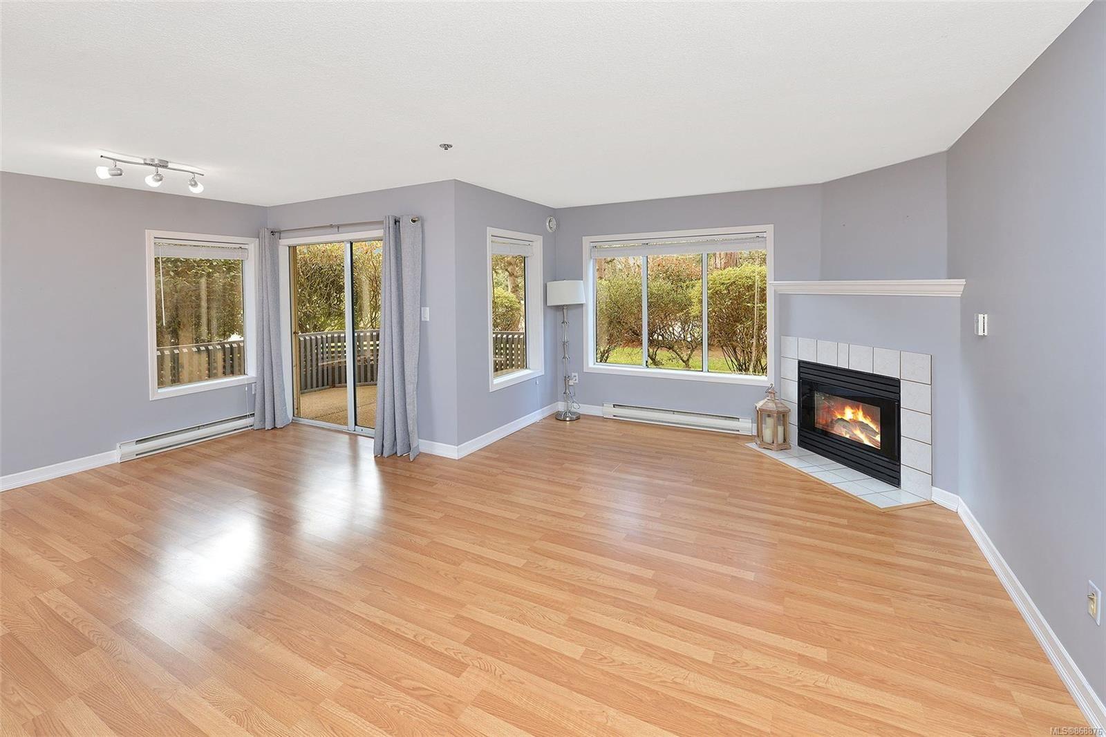 Main Photo: 101 2900 Orillia St in : SW Gorge Condo for sale (Saanich West)  : MLS®# 868876
