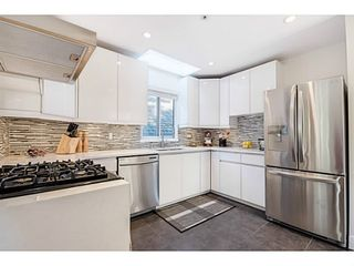 """Photo 8: 363 E 30TH Avenue in Vancouver: Main House for sale in """"MAIN STREET"""" (Vancouver East)  : MLS®# V1085412"""