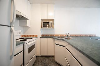 """Photo 15: 721 1333 HORNBY Street in Vancouver: Downtown VW Condo for sale in """"Anchor Point III"""" (Vancouver West)  : MLS®# R2610056"""