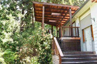 Photo 3: 7072 PORPOISE Drive in Sechelt: Sechelt District House for sale (Sunshine Coast)  : MLS®# R2553985