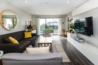 """Photo 4: 206 175 E 5TH Street in North Vancouver: Lower Lonsdale Condo for sale in """"Wellington Manor"""" : MLS®# R2624759"""