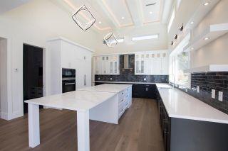 Photo 5: 36 GEORGIA Wynd in Delta: Pebble Hill House for sale (Tsawwassen)  : MLS®# R2590920