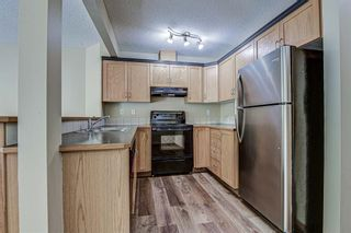Photo 6: 17 Eversyde Court SW in Calgary: Evergreen Row/Townhouse for sale : MLS®# A1120200