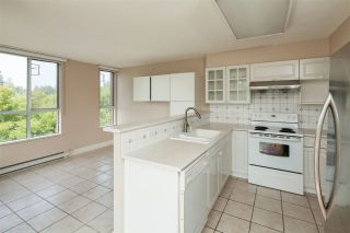 """Photo 2: 701 5615 HAMPTON Place in Vancouver: University VW Condo for sale in """"The Balmoral at Hampton"""" (Vancouver West)  : MLS®# R2195977"""