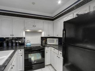 """Photo 8: 13 9785 152B Street in Surrey: Guildford Townhouse for sale in """"Turnberry Place"""" (North Surrey)  : MLS®# R2125112"""