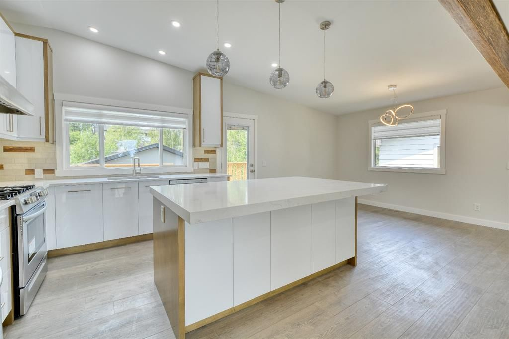 Photo 4: Photos: 12019 Canaveral Road SW in Calgary: Canyon Meadows Detached for sale : MLS®# A1126440