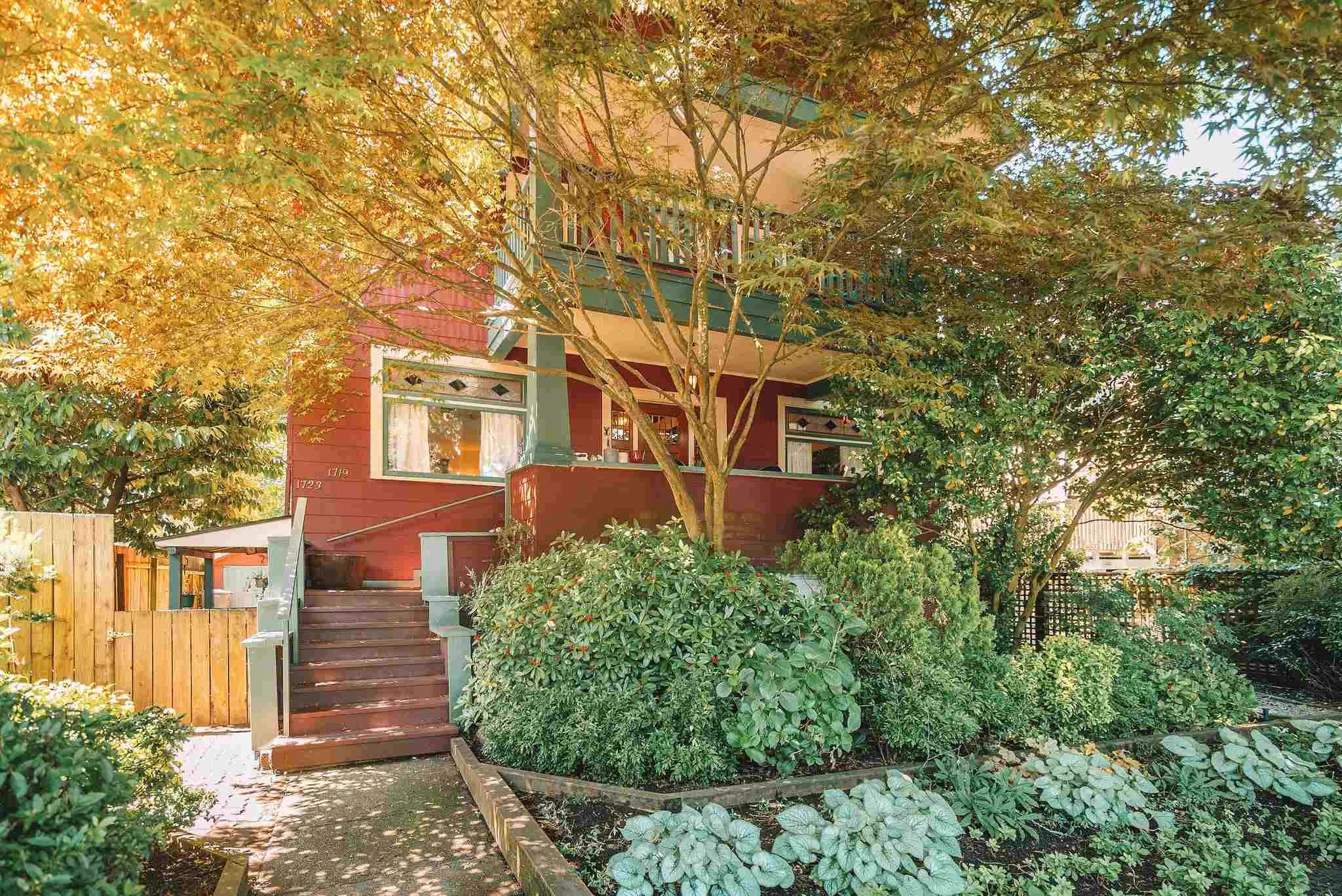 Main Photo: 1719 COLLINGWOOD Street in Vancouver: Kitsilano House for sale (Vancouver West)  : MLS®# R2595778