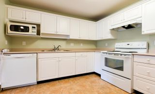 """Photo 9: 307 32075 GEORGE FERGUSON Way in Abbotsford: Central Abbotsford Condo for sale in """"ARBOUR COURT"""" : MLS®# R2564038"""