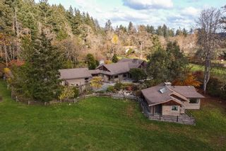 Photo 1: 903 Bradley Dyne Rd in : NS Ardmore House for sale (North Saanich)  : MLS®# 870746