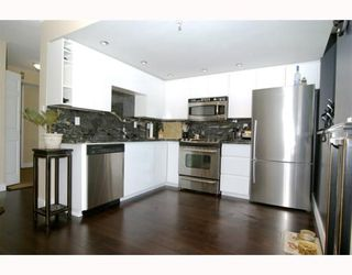 """Photo 5: 1904 1088 QUEBEC Street in Vancouver: Mount Pleasant VE Condo for sale in """"THE VICEROY"""" (Vancouver East)  : MLS®# V754003"""