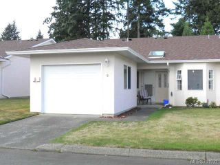 Photo 1: 9 2030 Robb Ave in COMOX: CV Comox (Town of) Row/Townhouse for sale (Comox Valley)  : MLS®# 711932