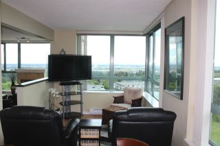 """Photo 11: 1104 6659 SOUTHOAKS Crescent in Burnaby: Highgate Condo  in """"GEMINI 2"""" (Burnaby South)  : MLS®# R2582918"""