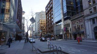 """Photo 2: 2505 838 W HASTINGS Street in Vancouver: Downtown VW Condo for sale in """"JAMESON HOUSE"""" (Vancouver West)  : MLS®# R2129939"""