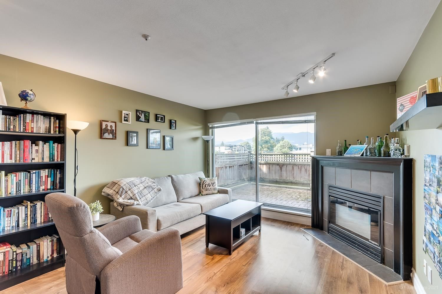 """Main Photo: 105 2285 PITT RIVER Road in Port Coquitlam: Central Pt Coquitlam Condo for sale in """"SHAUGHNESSY MANOR"""" : MLS®# R2594206"""