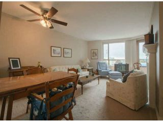 """Photo 2: 711 15111 RUSSELL Avenue: White Rock Condo for sale in """"Pacific Terrace"""" (South Surrey White Rock)  : MLS®# F1425012"""