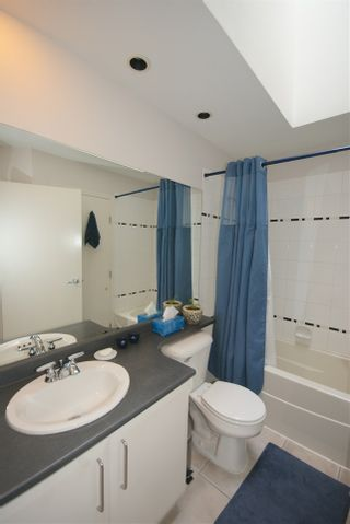 """Photo 11: 7430 MAGNOLIA Terrace in Burnaby: Highgate Townhouse for sale in """"CAMARILLO"""" (Burnaby South)  : MLS®# R2080942"""