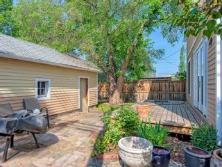 Photo 3: 111 7 Street NW in Calgary: Sunnyside Detached for sale : MLS®# C4189652