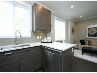 """Photo 6: 3 14177 103 Avenue in Surrey: Whalley Townhouse for sale in """"THE MAPLE"""" (North Surrey)  : MLS®# F1425574"""