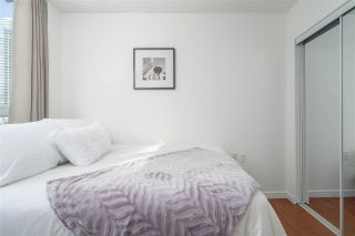 """Photo 18: 1106 1068 HORNBY Street in Vancouver: Downtown VW Condo for sale in """"The Canadian at Wall Centre"""" (Vancouver West)  : MLS®# R2485432"""
