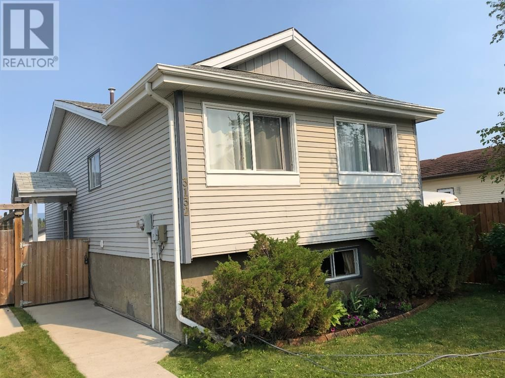 Welcome to 3132 Bradwell Street in Hinton, AB