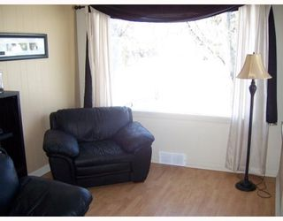 Photo 7: 37 ST DAVID Road in WINNIPEG: St Vital Residential for sale (South East Winnipeg)  : MLS®# 2803814