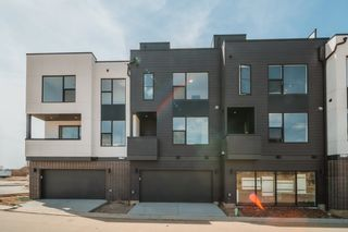 Photo 3: 49 5 Rondeau Drive: St. Albert Townhouse for sale : MLS®# E4266382