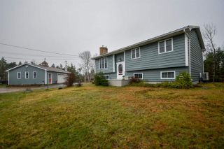 Main Photo: 881 Prospect Bay Road in Prospect Bay: 40-Timberlea, Prospect, St. Margaret`S Bay Residential for sale (Halifax-Dartmouth)  : MLS®# 202023066
