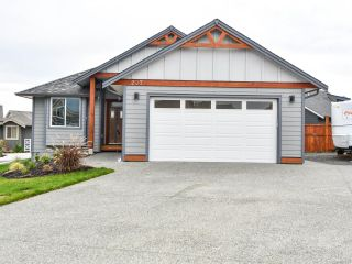 Photo 1: 207 Michigan Dr in CAMPBELL RIVER: CR Willow Point House for sale (Campbell River)  : MLS®# 801835