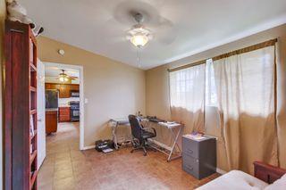 Photo 12: LEMON GROVE House for sale : 3 bedrooms : 2613 Nida