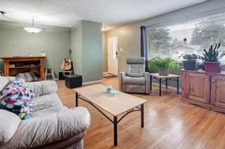 Photo 5: 1321 Rosehill Drive NW in Calgary: Rosemont Semi Detached for sale : MLS®# A1112499