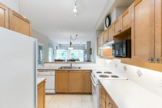 """Photo 13: 203 6198 ASH Street in Vancouver: Oakridge VW Condo for sale in """"The Grove 6198 Ash"""" (Vancouver West)  : MLS®# R2614969"""