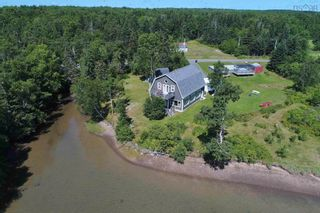 Photo 12: 696 Point Aconi Road in Point Aconi: 207-C. B. County Residential for sale (Cape Breton)  : MLS®# 202120612