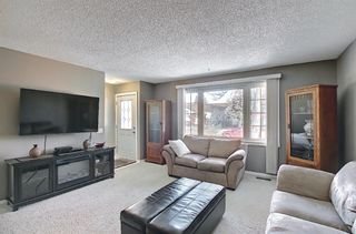 Photo 4: 2735 41A Avenue SE in Calgary: Dover Detached for sale : MLS®# A1082554