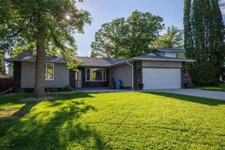 Photo 1: 55 Longfellow Bay in Winnipeg: Residential for sale (5G)  : MLS®# 202011671