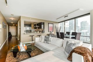 """Photo 12: 1902 1228 MARINASIDE Crescent in Vancouver: Yaletown Condo for sale in """"Crestmark II"""" (Vancouver West)  : MLS®# R2582919"""