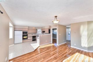 Photo 7: 4299 Panorama Pl in VICTORIA: SE Lake Hill House for sale (Saanich East)  : MLS®# 774088