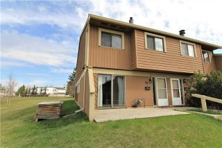 Photo 1: 26 4940 39 Avenue SW in Calgary: Glenbrook Row/Townhouse for sale : MLS®# C4302811