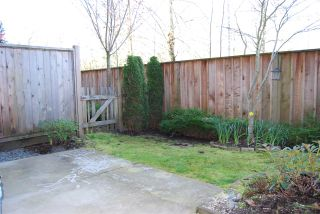 "Photo 12: 7 7298 199A Street in Langley: Willoughby Heights Townhouse for sale in ""York"" : MLS®# R2050112"