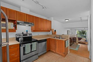 """Photo 5: 304 3727 W 10TH Avenue in Vancouver: Point Grey Townhouse for sale in """"FOLKSTONE"""" (Vancouver West)  : MLS®# R2617811"""