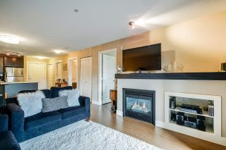 """Photo 10: 308 6500 194 Street in Surrey: Clayton Condo for sale in """"SUNSET GROVE"""" (Cloverdale)  : MLS®# R2416083"""