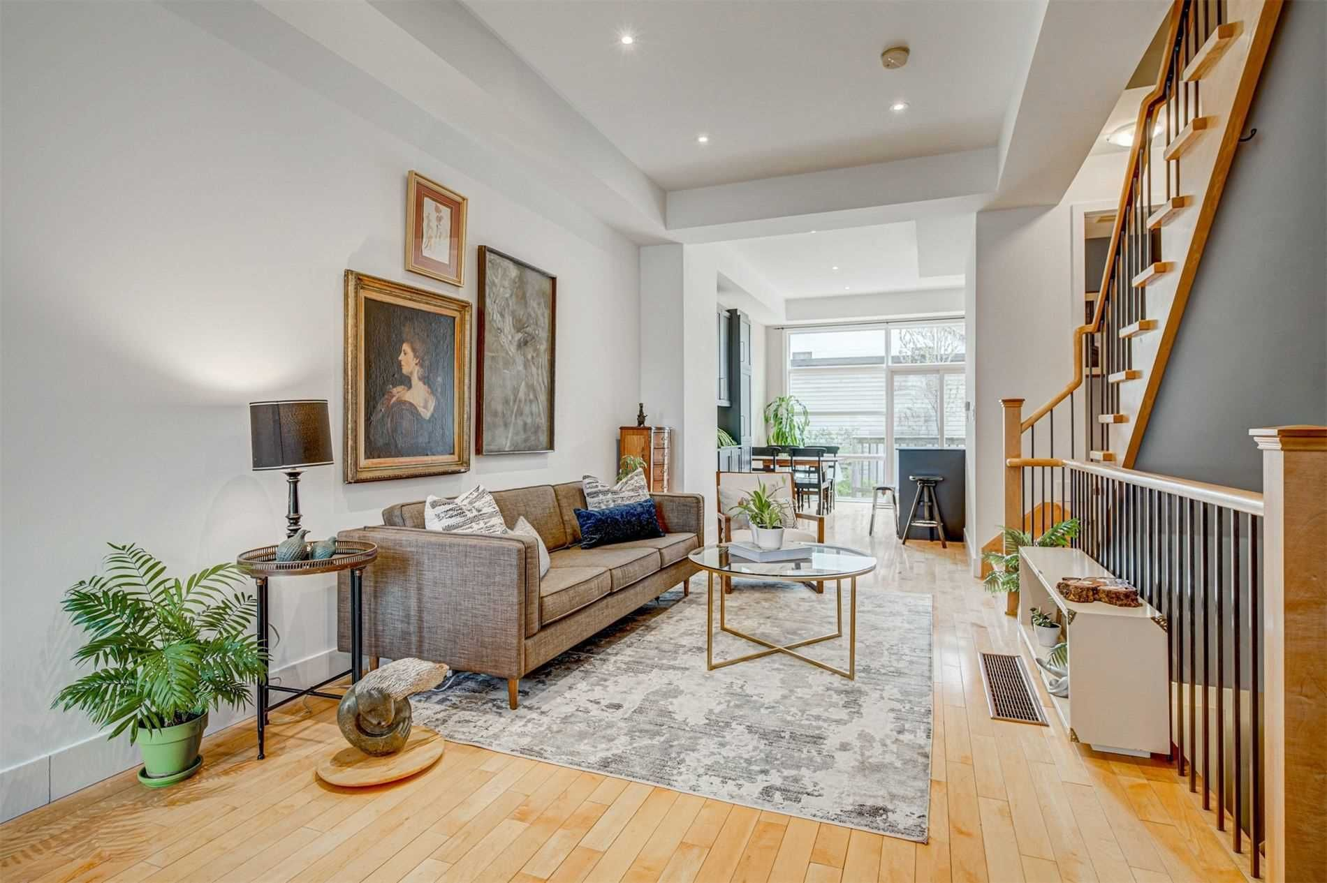 Main Photo: 480 E King Street in Toronto: Moss Park House (3-Storey) for sale (Toronto C08)  : MLS®# C5233475