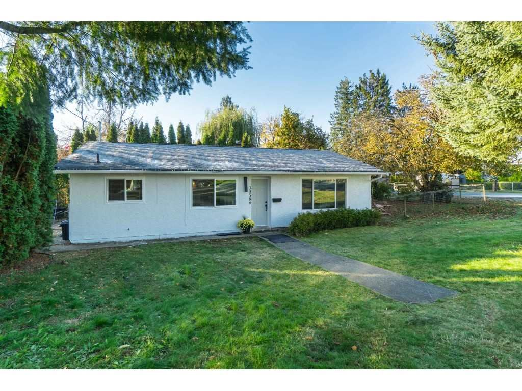 """Main Photo: 33586 8TH Avenue in Mission: Mission BC House for sale in """"HERITAGE PARK"""" : MLS®# R2417576"""