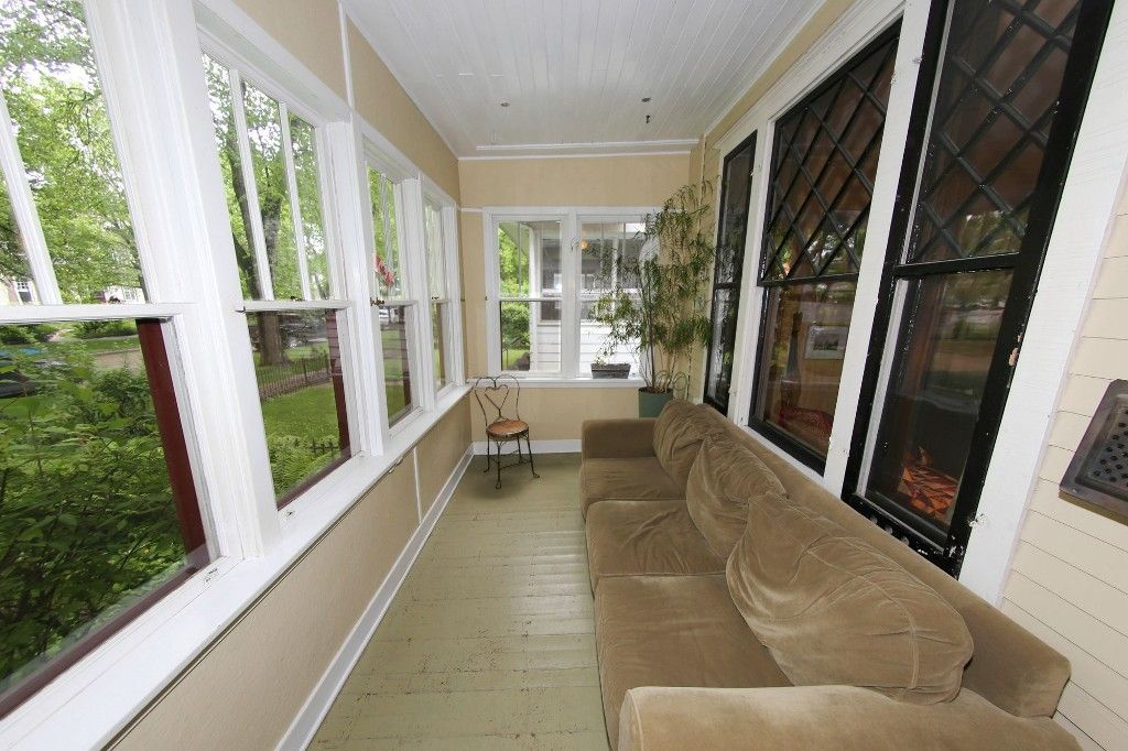 Photo 3: Photos: 530 Greenwood Place in Winnipeg: Wolseley Single Family Detached for sale (West Winnipeg)  : MLS®# 1614507