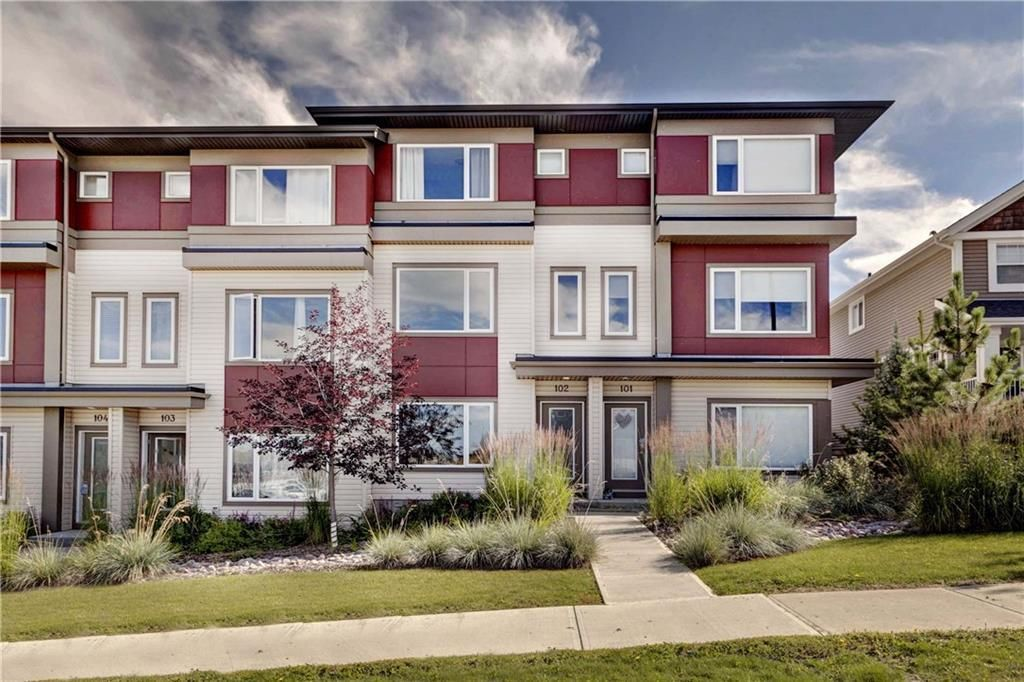 Main Photo: 102 501 RIVER HEIGHTS Drive: Cochrane Row/Townhouse for sale : MLS®# C4266118