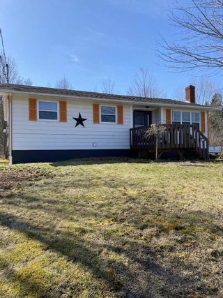 Photo 1: 875 Bezanson Court in North Kentville: 404-Kings County Residential for sale (Annapolis Valley)  : MLS®# 202107882