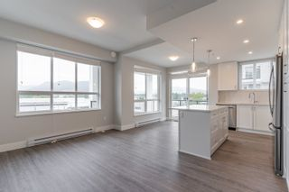 """Photo 9: 4501 2180 KELLY Avenue in Port Coquitlam: Central Pt Coquitlam Condo for sale in """"Montrose Square"""" : MLS®# R2615326"""