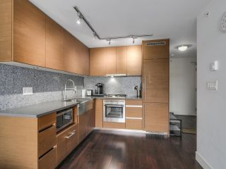 Photo 2: 705 565 SMITHE STREET in Vancouver: Downtown VW Condo for sale (Vancouver West)  : MLS®# R2116160